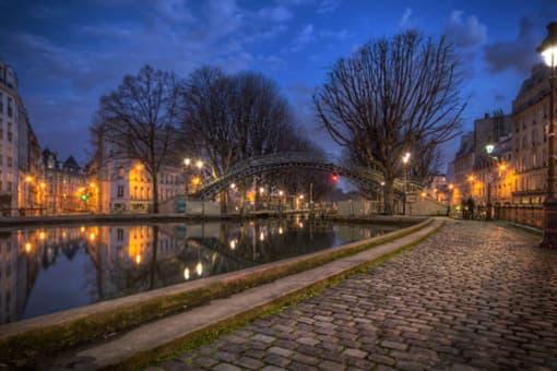 Canal Saint Martin proche de l'hôtel Little Regina Paris